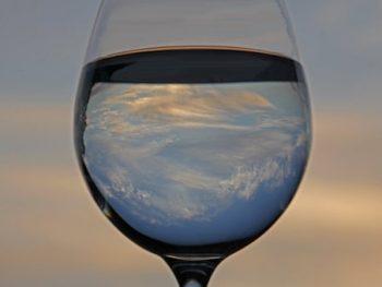 Elimina energía negativa con sal y agua